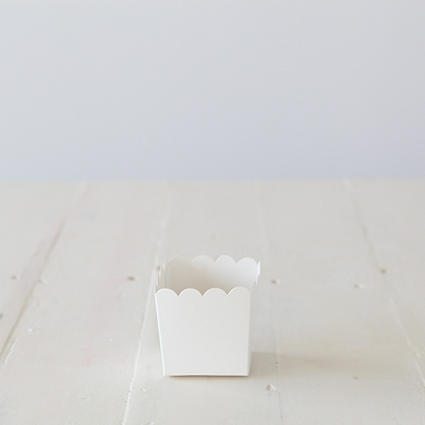 Scalloped Box &#8211; White