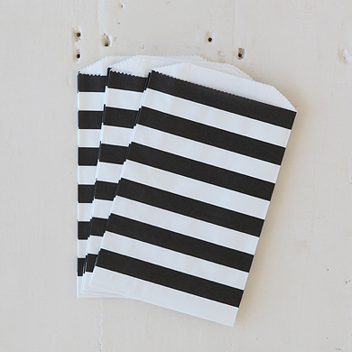 Horizontal Stripe Favour Bags – Medium Black