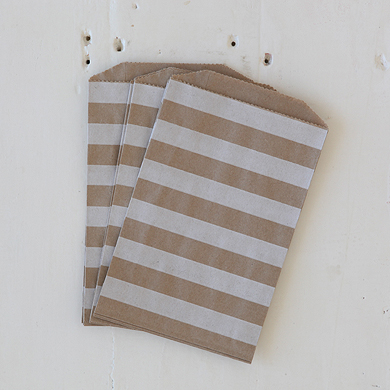 Horizontal Stripe Favour Bags – Medium Kraft